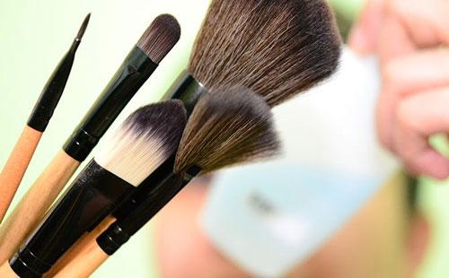 چطور آرایش کنیم که کسی نفهمد؟ 1