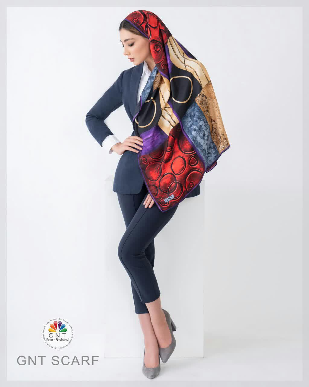 روسری ابریشم ساتن مدل ۲۰۹۷۴ 1